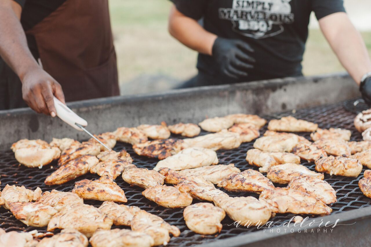 chicken-on-the-grill-at-this-low-key-rustic-farmhouse-wedding