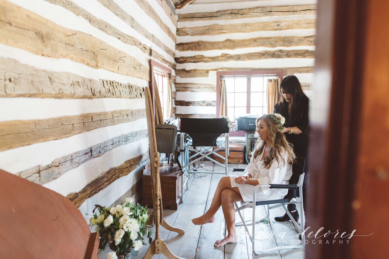 getting-ready-shot-dreamers-amd-lovers-bride-at-her-rustic-boho-farmhouse-wedding