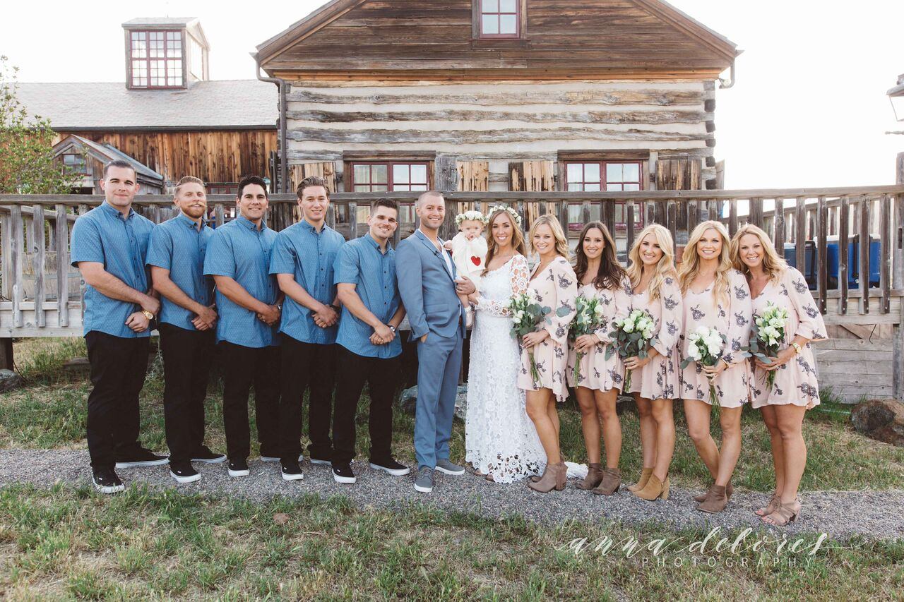 the-bridal-party-at-this-figuero-mountain-farmhouse-wedding-in-california