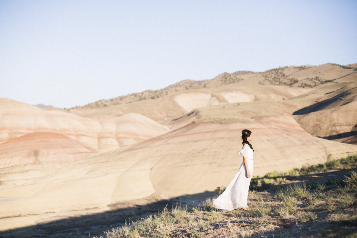wedding-inspiration-for-bohemian-elopement-in-painted-hills-oregon-with-a-billowy-2-piece-silk-wedding-dress