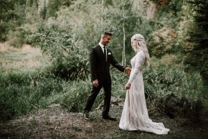 bride-dizzy-wearing-lisa-long-sleeves-modest-wedding-dress-real-wedding