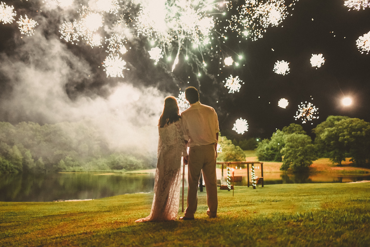 firework-ends-the-night-for-this-newlywed-bride-and-groom-Oklahoma-bohemian-wedding