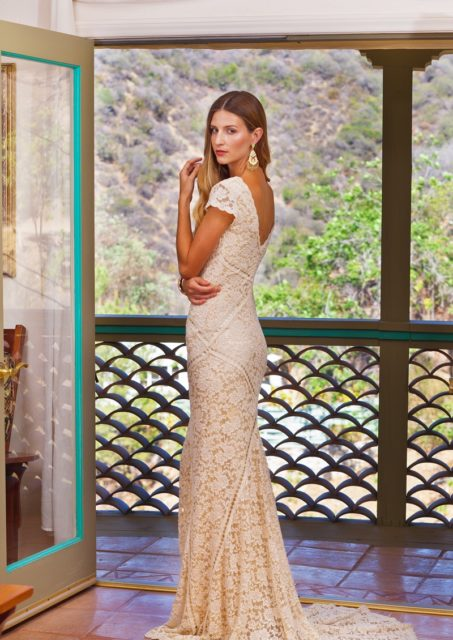 adelaide-lace-dress-back-view-fitted-design