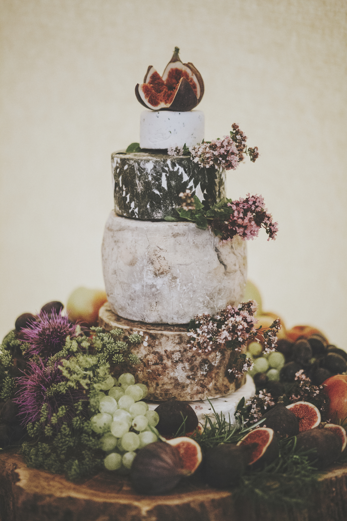 cornish-cheese-wedding-cake-bohemian-wedding-inspiration