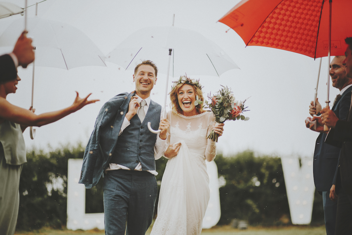Julie-and-andrew-boho-wedding-in-the-rain