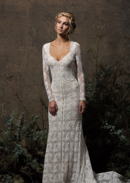 long-sleeved-panelled-stretch-lace-laid-back-boho-wedding-dress