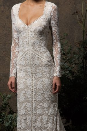 stretch-lace-panelled-long-sleeve-fitted-lace-gown-with-keyhole-open-back