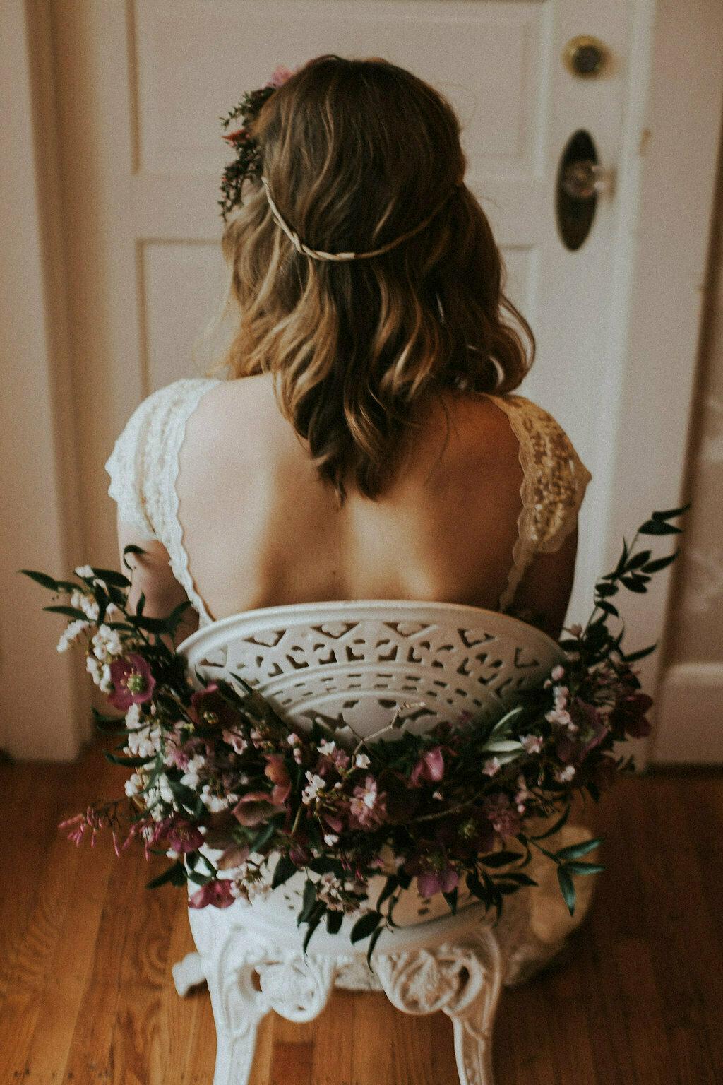 backless-lace-wedding-dress-simple-wedding-dresses-option