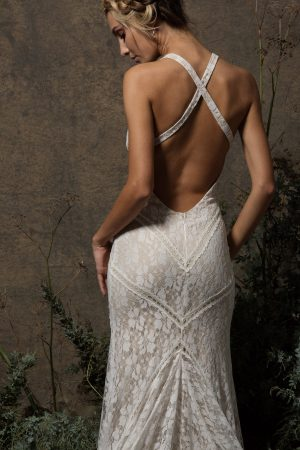 backless-simple-fitted-stretch-lace-wedding-dress-for-the-boho-bride