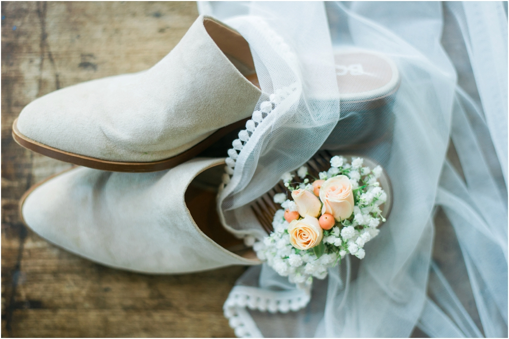 wedding-inspiration-for-the-simple-bride-here-a-boho-beige-colored-mule-with-a-simple-veil