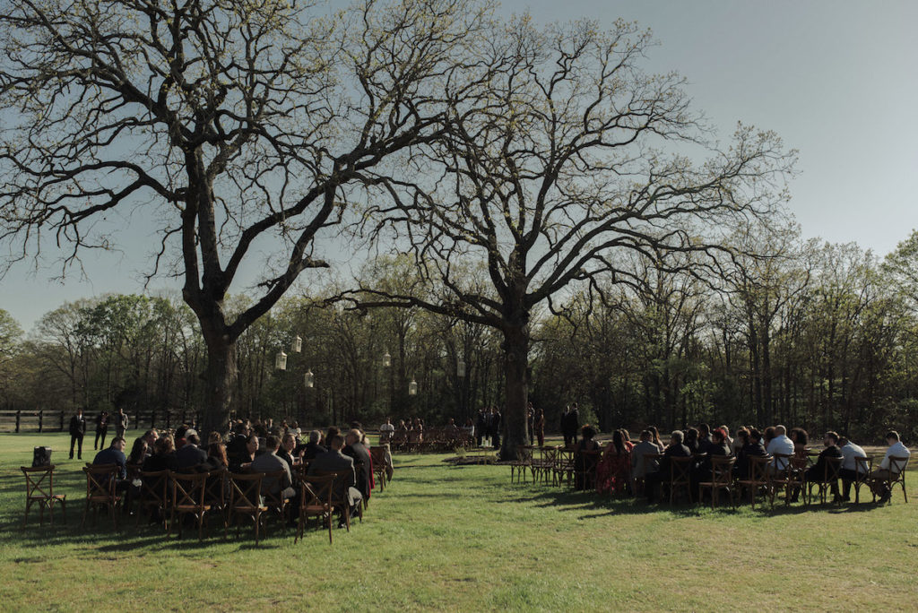 outdoor-wedding-at-white-sparrow-barn-in-texas
