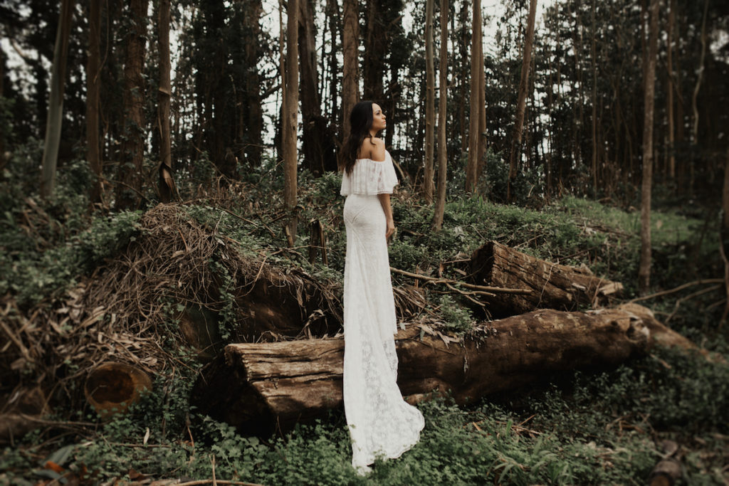 dreamers-and-lovers-lizzy-dress-for-the-nature-loving-bohemian-bride-shot-by-elopemnt-photographer-anni-graham