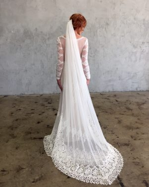 cathedral-length-soft-mesh-veil-with-crochet-lace-edging