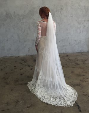 the-veil-for-the-boho-bride-trimmed-with-crochet-lace