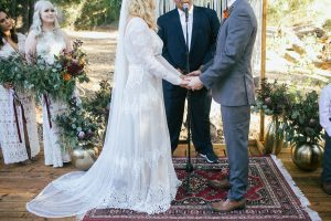 the-exchanging-of-the-vows-altar-finished-with-bohemian-rugs
