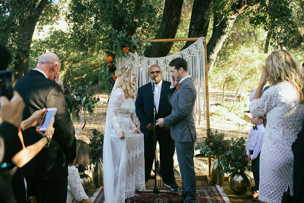 bohemian-wedding-at-the-highlands-ranch-in-California-bride-wearing-long-sleeve-lisa-backless-lace-wedding-dress