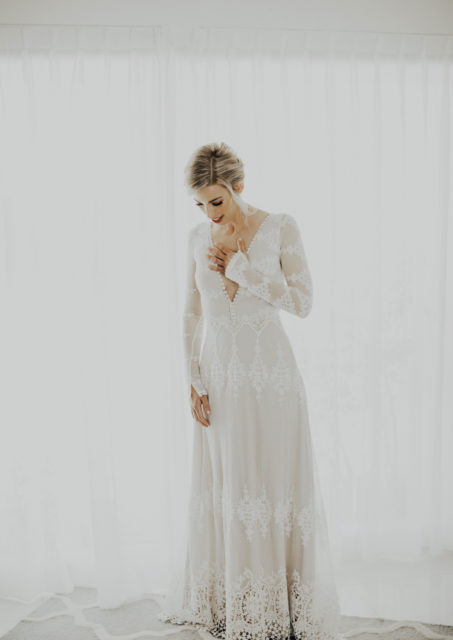 real-bride-wearing-dreamers-and-lovers-julia-dress-for-her-palm-springs-bohemian-wedding