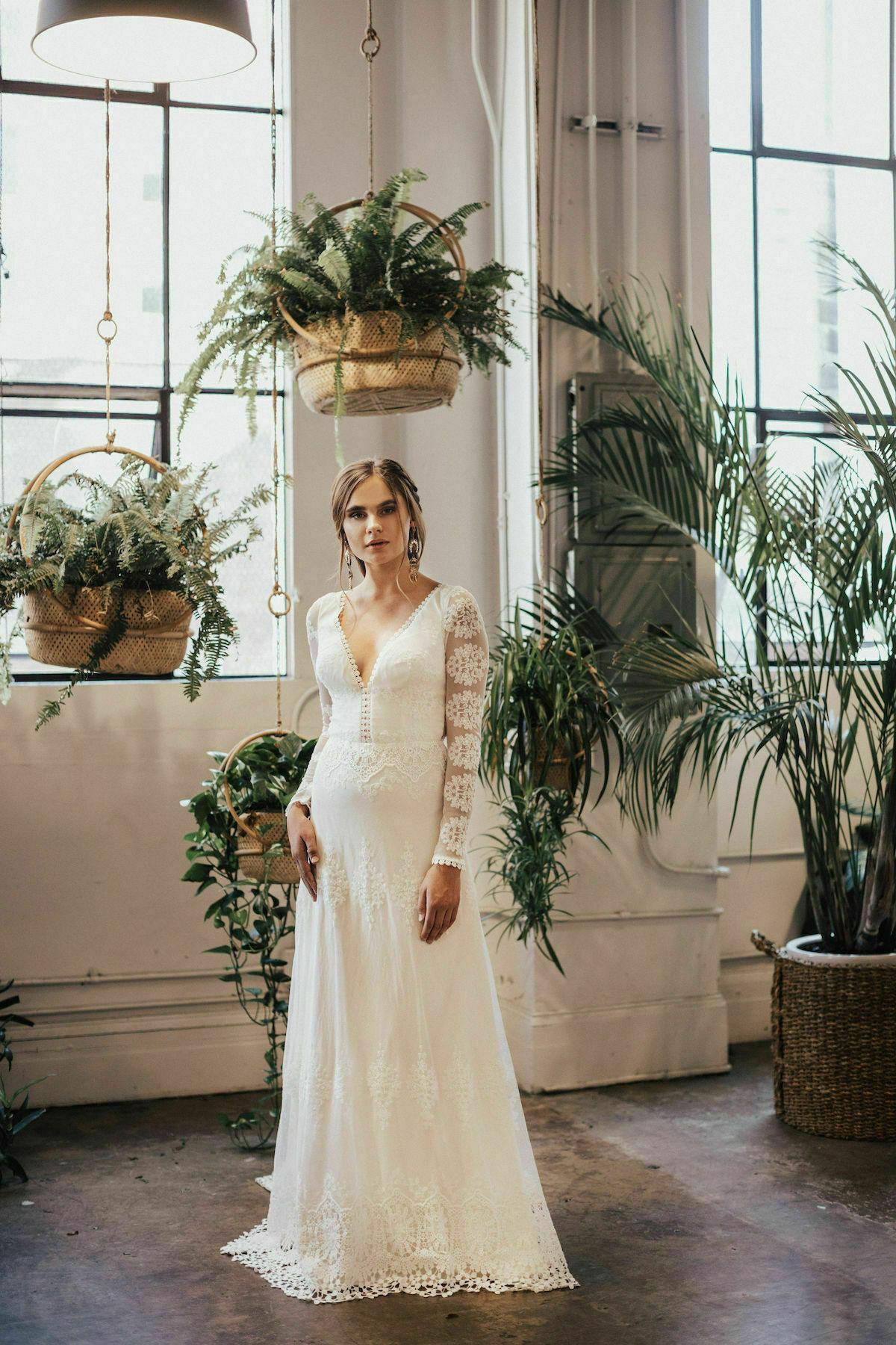 julia-romantic-lace-wedding-dress-vanilla-colored-liner