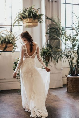dreamers-and-lovers-julia-long-sleeve-backless-wedding-dress-vanilla-cream-liner