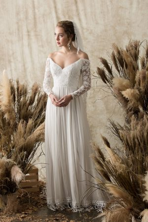 gabrielle-simple-lace-and-silk-mixed-wedding-dress