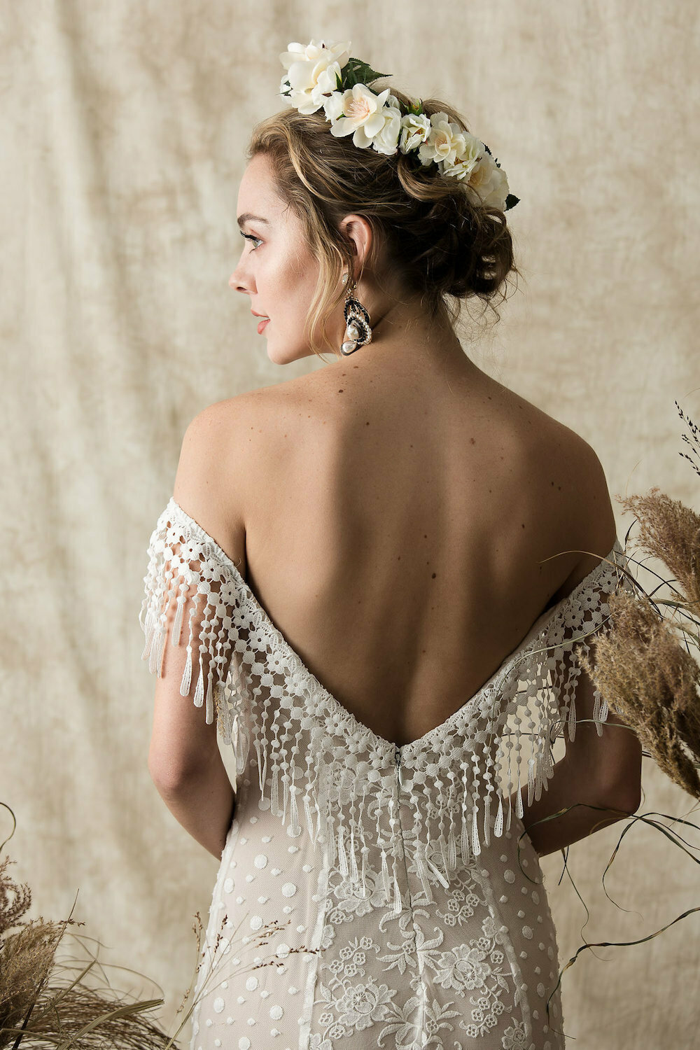backless-heather-mixed-lace-wedding-gown