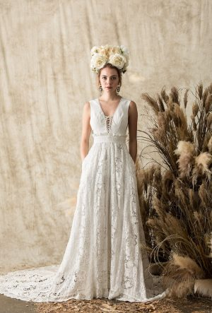 Elysia-silk-lace-dreamy-bohemian-backless-wedding-dress