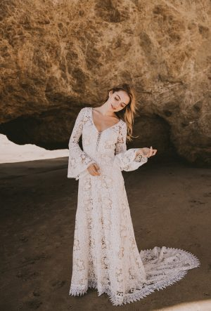 JULIET LONG SLEEVED LACE DRESS - Etheria