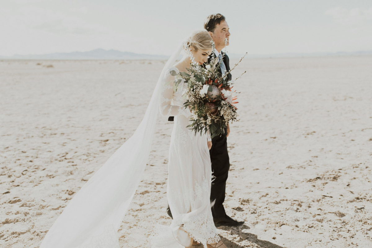 pop-up-palm-springs-wedding-at-the-salt-flat