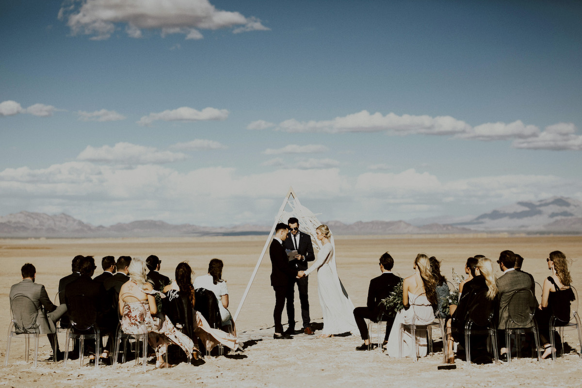 wedding-ceremony-in-the-middle-of-nowhere-palm-springs