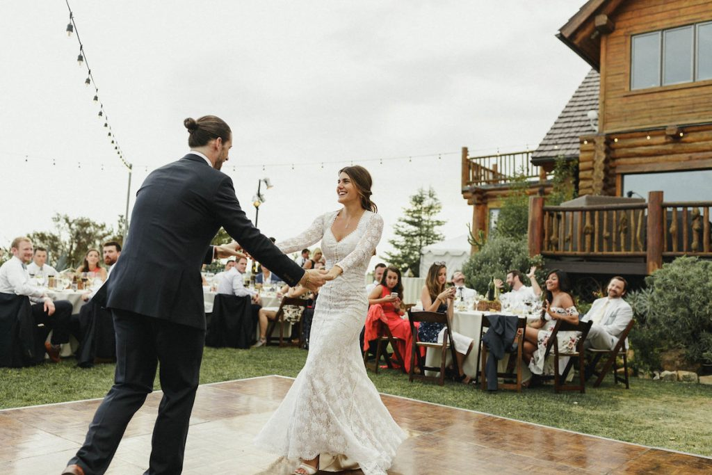 the-first-dance-of-soulmates-Jen-and-James-at-saddlerock-ranch-in-California