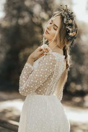 romantic-lace-dress-for-the-carefree-boho-bride-long-sleeves-dotted-lace-gown