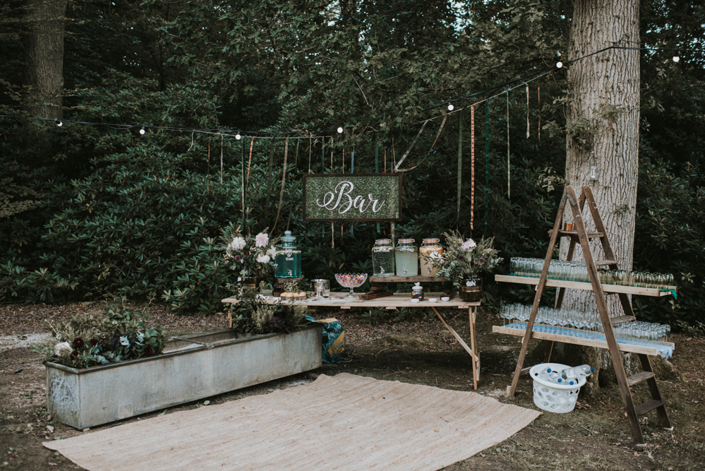 dreamy-setup-for-intimate-UK-bohemian-outdoor-wedding