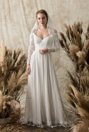 simple-susie-tulle-lace-veil