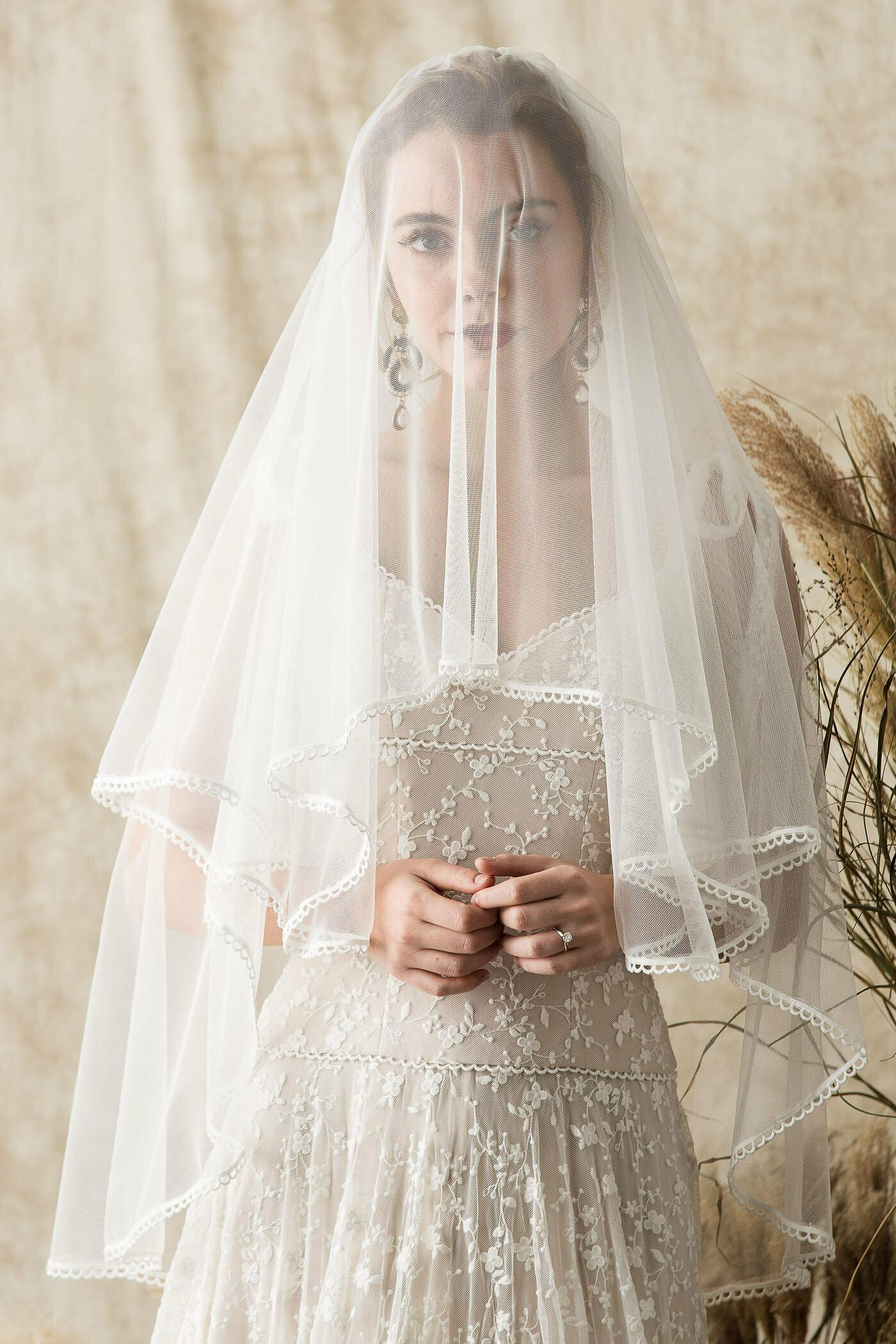 megan-blusher-short-veil-with-lace-edging