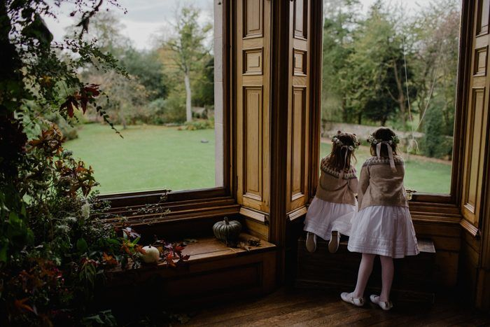 flower-girls-at-wedding-in-cambo-estate-in-scotland