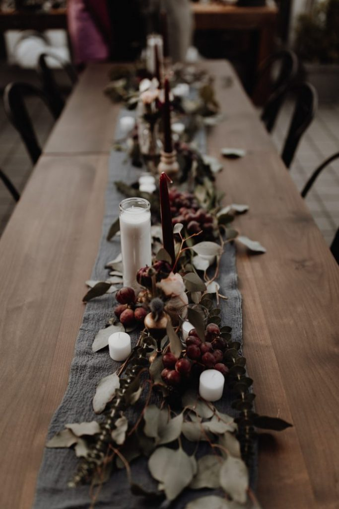 rustic-table-setting-in-this-DIY-wedding-in-Portland