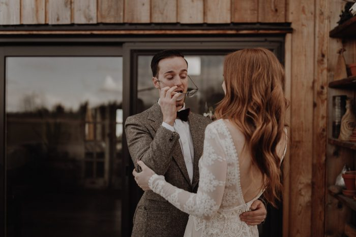 first-look-surprise-at-this-real-wedding-in-Portland