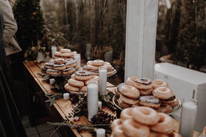 donut-dessert-bar-cathedral-park-wedding