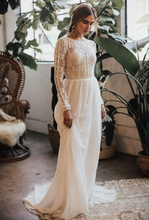Ines-long-sleeves-flowy-wedding-dress