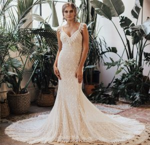 dreamers-and-lovers-perla-fitted-bohemian-wedding-dress