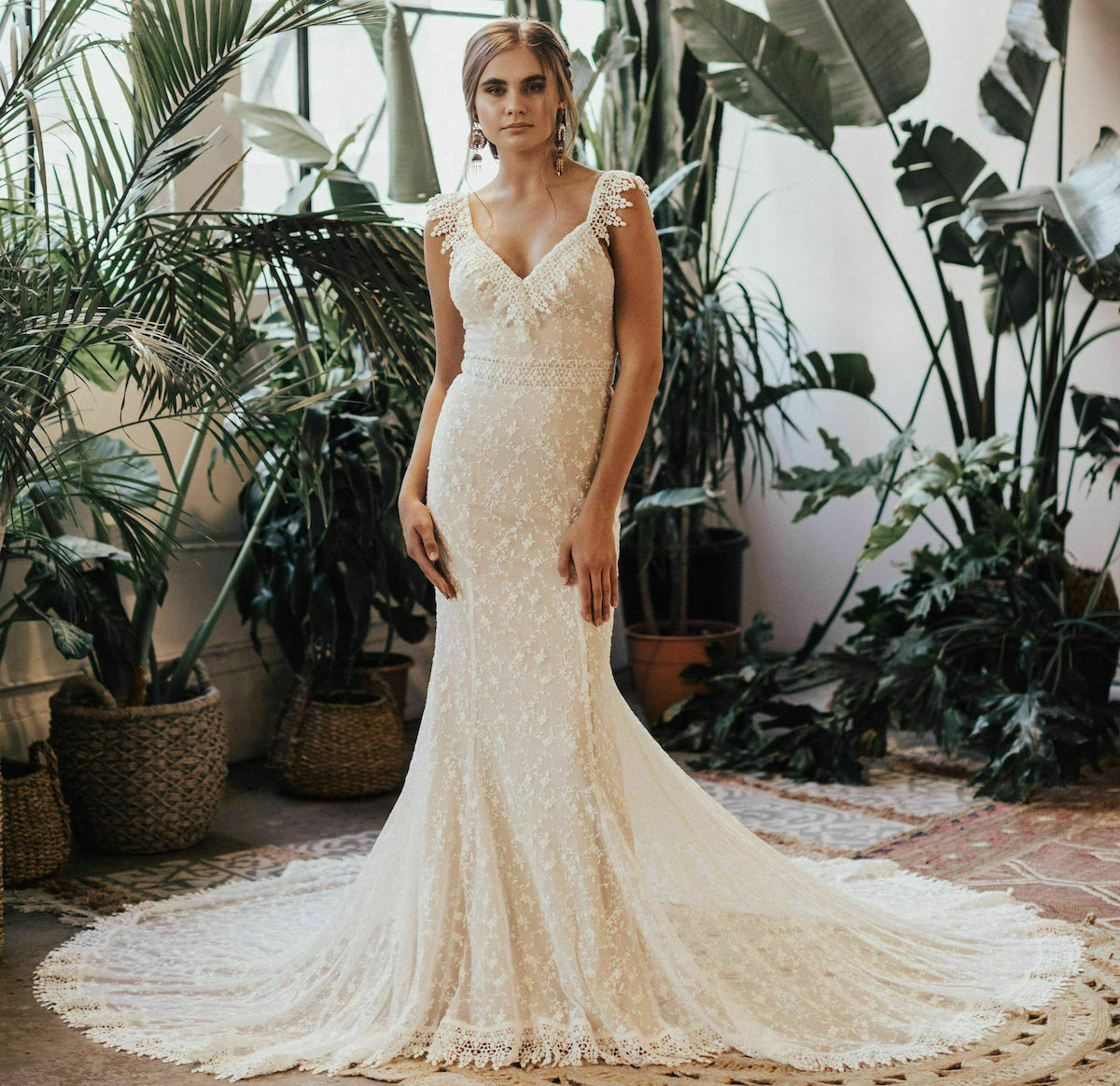 Perla Boho Simple Lace Wedding Dress