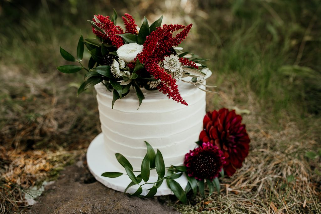 Simple-floral-topped-wedding -cake