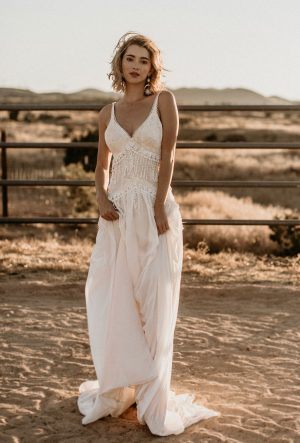 Fall-in-love-with-the-dreamy-romantic-Angelica-lace-and-crepe-flowy-bohemian-wedding-dress