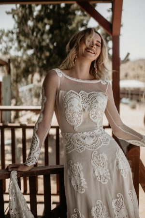 applique-lace-combines-with-soft-dotted-mesh-on-the-Isabella-backless-long-sleeves-lace-gown