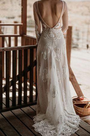 close-up-details-of-the-dreamy-Isabella-lace-dress