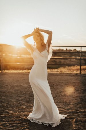meet-the-new-Poppy-off-the-shoulder-crepe-simple-bohemian-wedding-dress