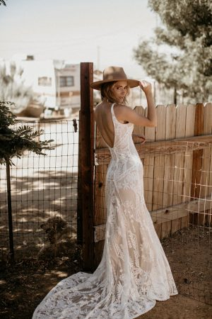 the-Magical-Stella-backless-sleeveless-lace-wedding-dress-for-the-bohemian-bride