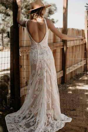 NEW-Stella-backless-sleeveless-lace-wedding-dress-for-the-romantic-bohemian-bride