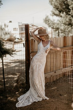 Stella-v-neckline-dreamy-backless-sleeveless-lace-wedding-dress-for-the-bohemian-bride