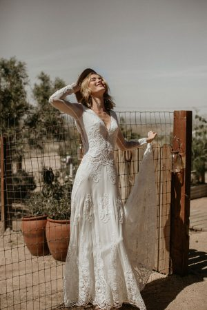 WOW-Victoria-Dream-Bohemian-Lace-Wedding-Dress-with-Long-Sleeves-Backless-V-Neckline